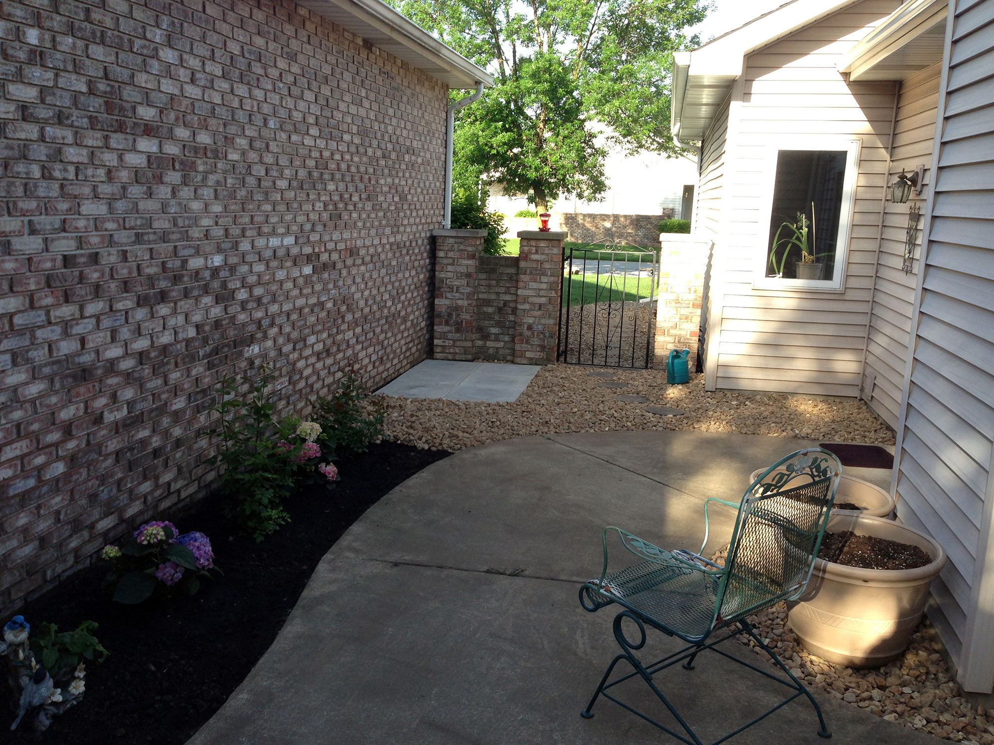 Northwest indiana landscaping and lawn care for Courtyard landscape oostburg wi